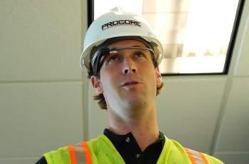 Procore-Google-Glass-construction-worker